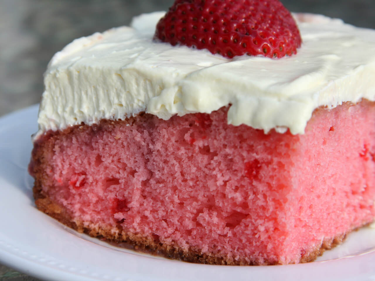 Best Strawberry Cake Recipe