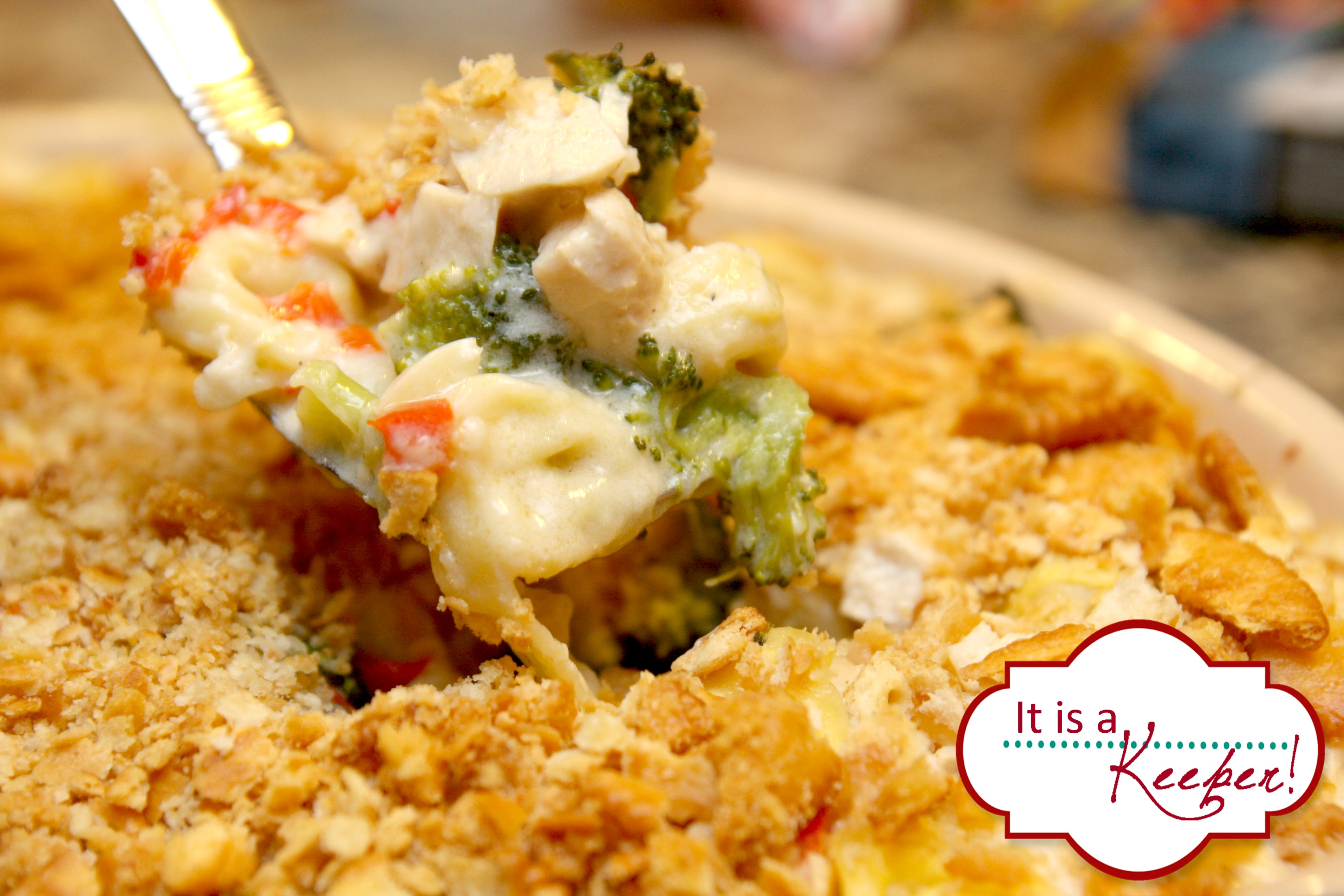 Creamy Chicken Tortellini Bake @ It's a Keeper