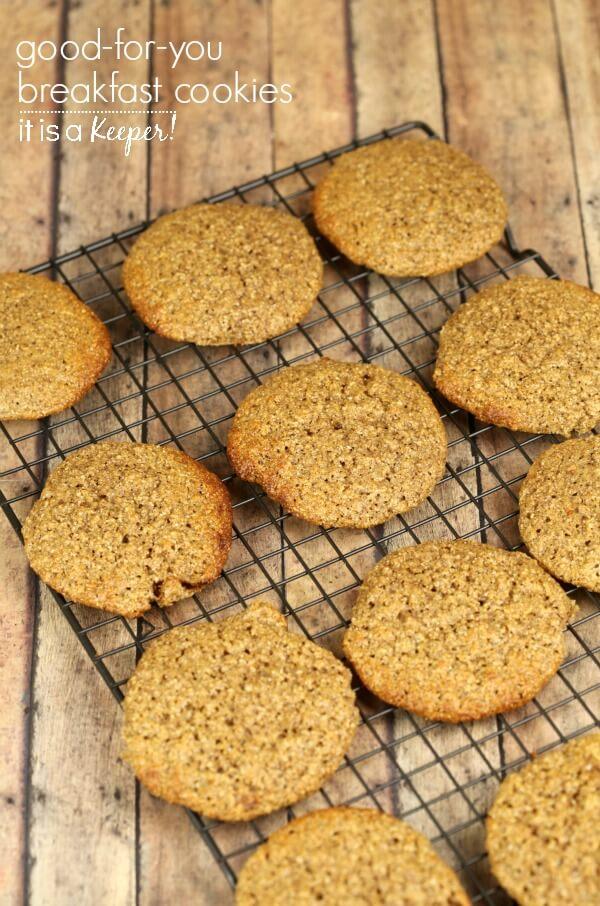 Breakfast Cookies – This healthy cookie recipe is an easy, kid friendly breakfast