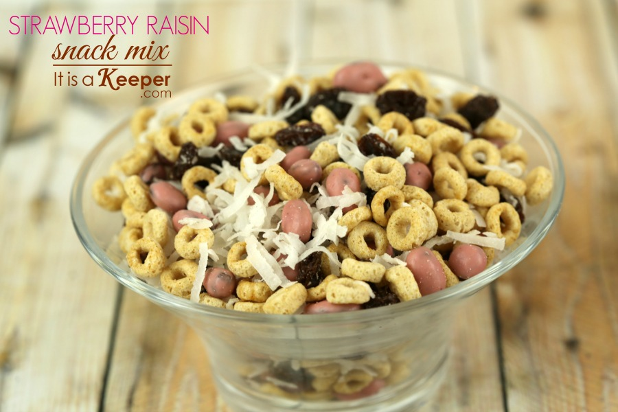 Easy Snack Idea Strawberry Raisin Snack Mix - It's a keeper