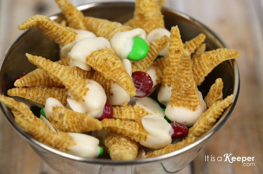 Elf on the Shelf Movie - It Is a Keeper SNACK 2