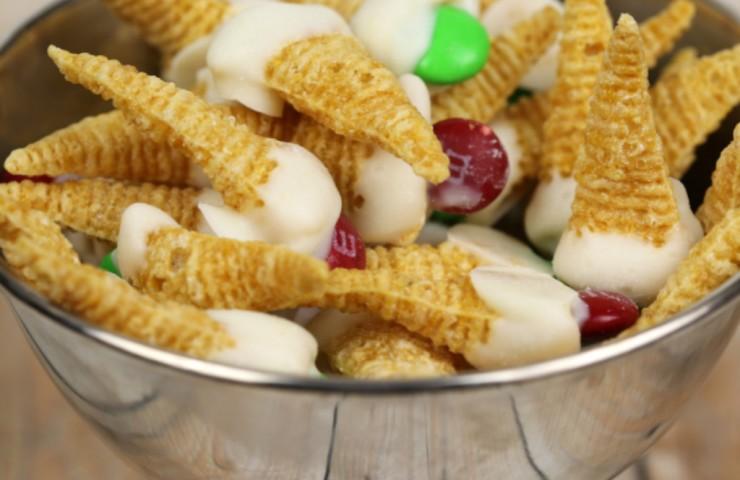 Elf on the Shelf Movie Party & Elf Hat Snacks