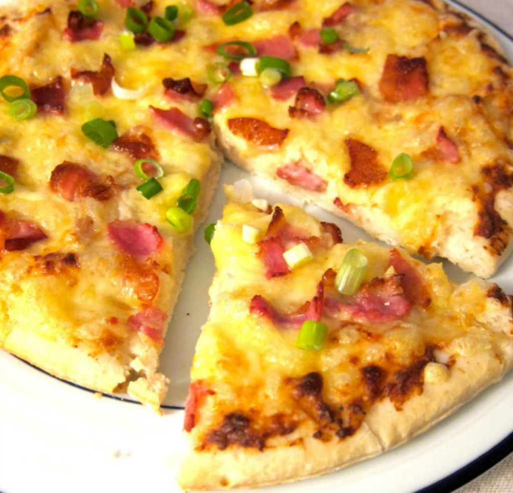 Chicken Alfredo Pizza with Bacon