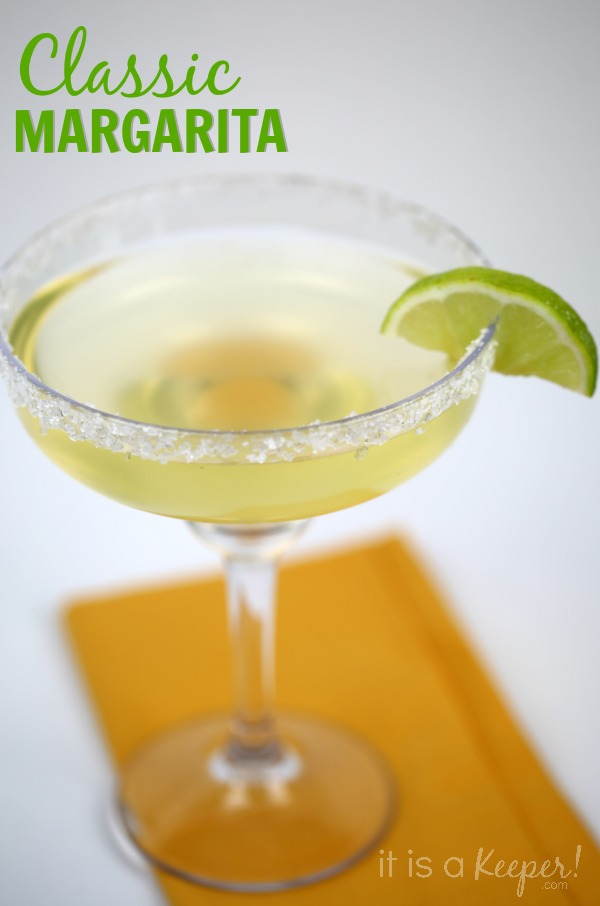 Simple cocktail recipes classic margarita it is a keeper for Simple alcoholic drink recipes
