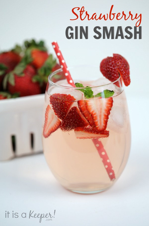 Simple Cocktail Recipes Strawberry Gin Smash - It Is a Keeper