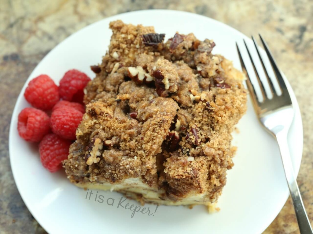 Cinnamon Streusel French Toast Casserole – an easy and delicious make ahead breakfast recipe