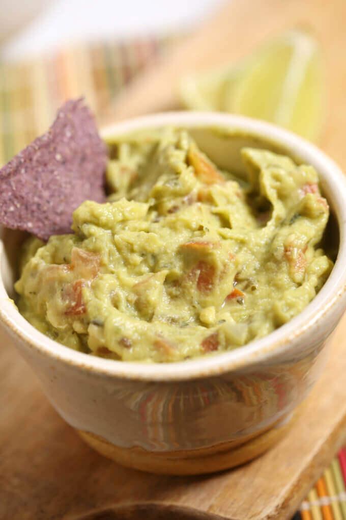 Homemade guacamole recipe easy