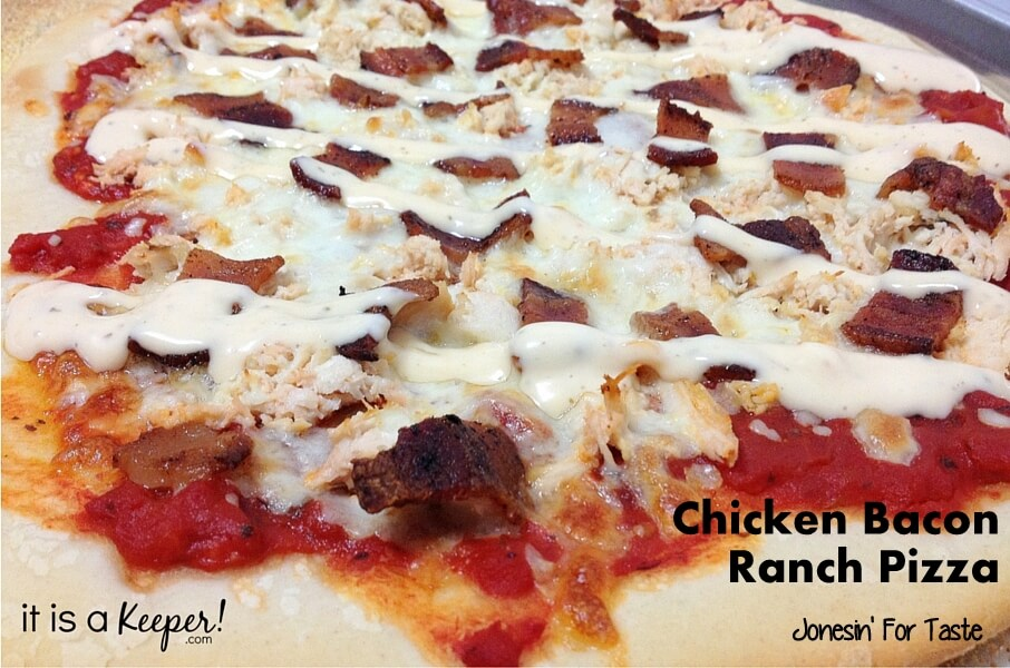 Chicken Bacon Ranch Pizza – an easy and delicious dinner recipe that's ready in under 30 minutes