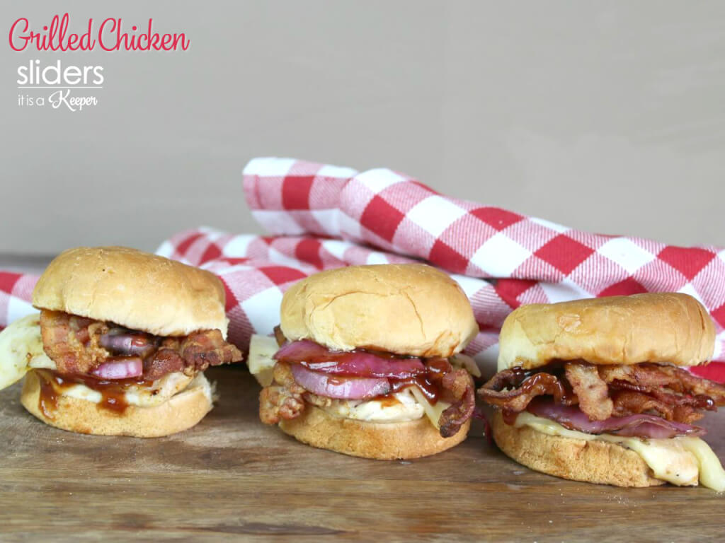 Grilled Chicken Sliders - this easy sandwich recipe will have your family begging for more