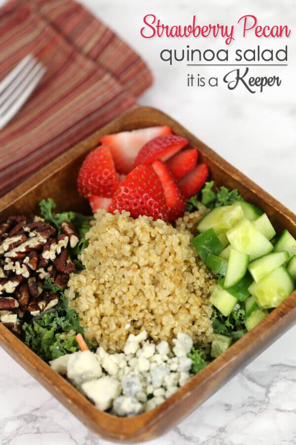 Strawberry Pecan Quinoa Salad - I'm addicted to this scrumptious and health salad