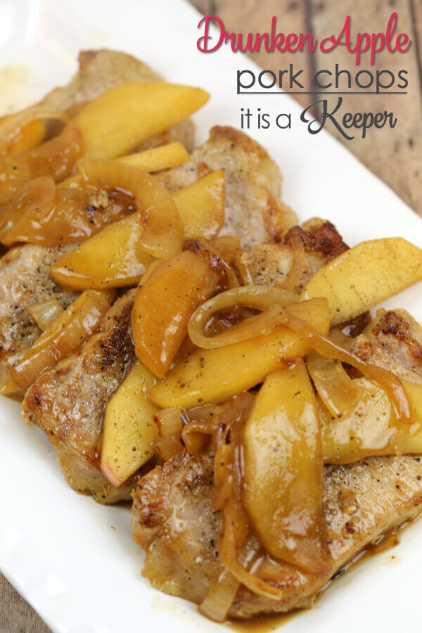 Drunken Apple Pork Chops - this easy 30 minute recipe is a quick dinner idea and perfect for busy weeknights