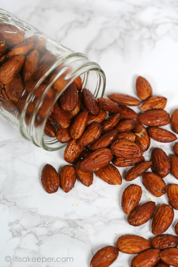 Tex Mex Roasted Almonds - this easy snack recipe is ready in less than 20 minutes