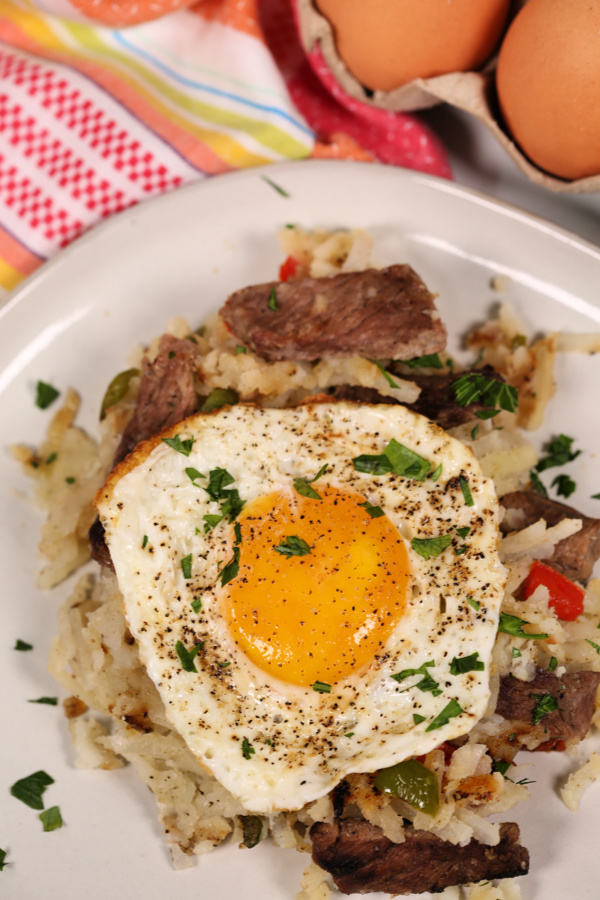 Easy Breakfast Skillet with Steak and Eggs