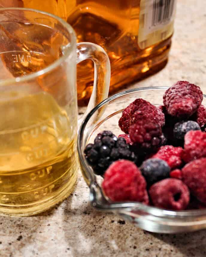 ingredients for healthy breakfast smoothie