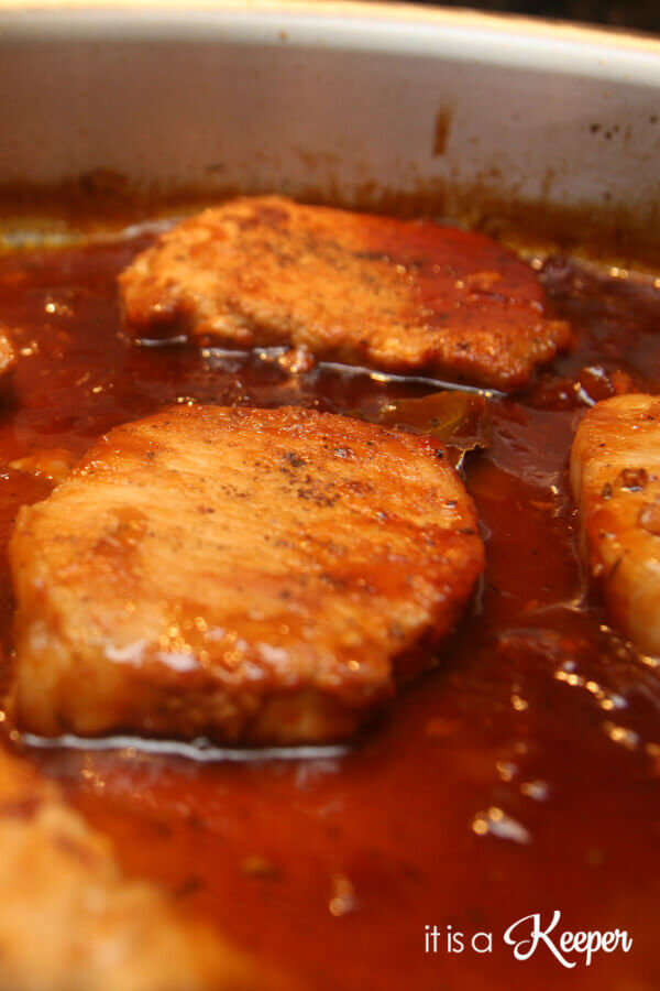 These Drunken Apple Pork Chops are an easy 30 minute recipe. They're one of my favorite quick dinner ideas.