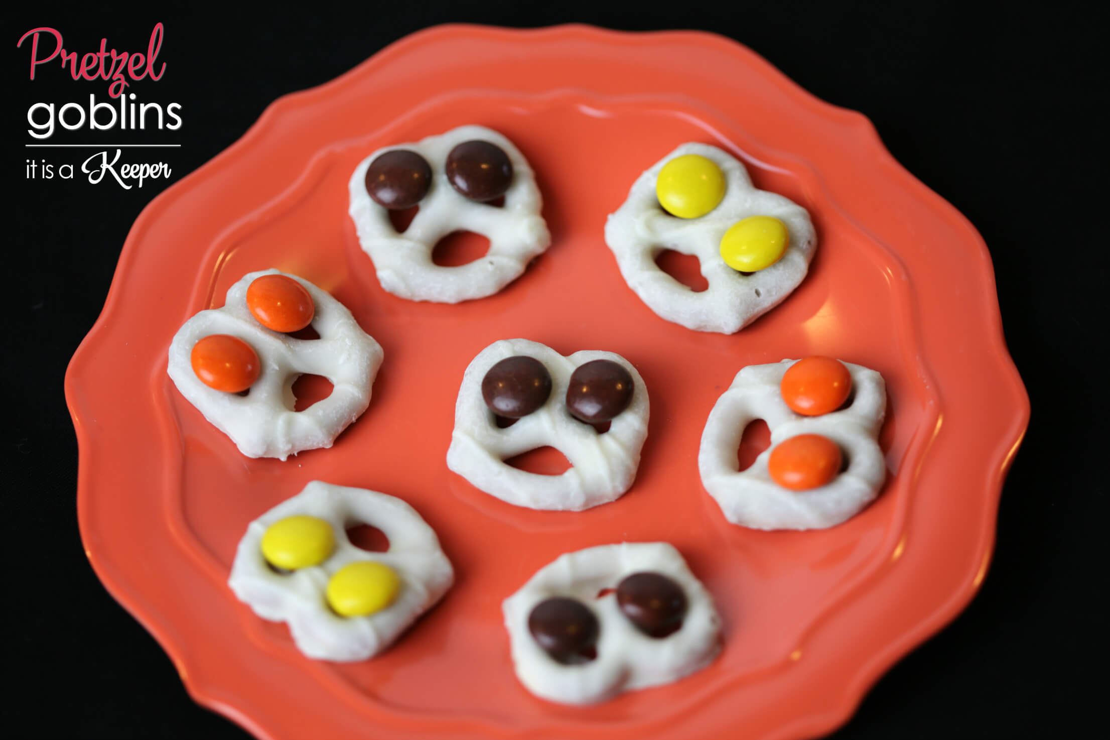 Pretzel Goblins - these Halloween snacks are easy to make and the perfect combination of salty and sweet