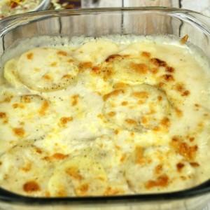 Easy Potatoes Au Gratin - It Is a Keeper