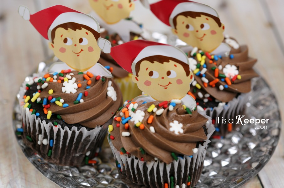 Elf on the Shelf Movie - It Is a Keeper CUPCAKE