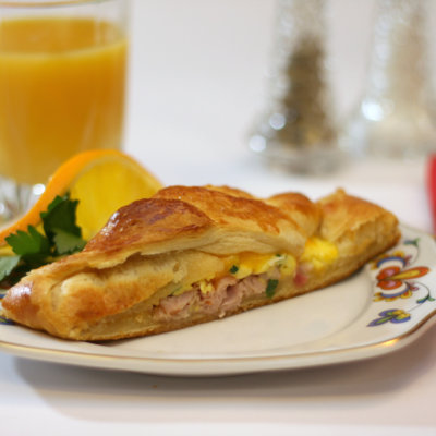 Egg and Ham Breakfast Braid
