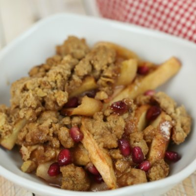 Apple Pomegranate Crumble