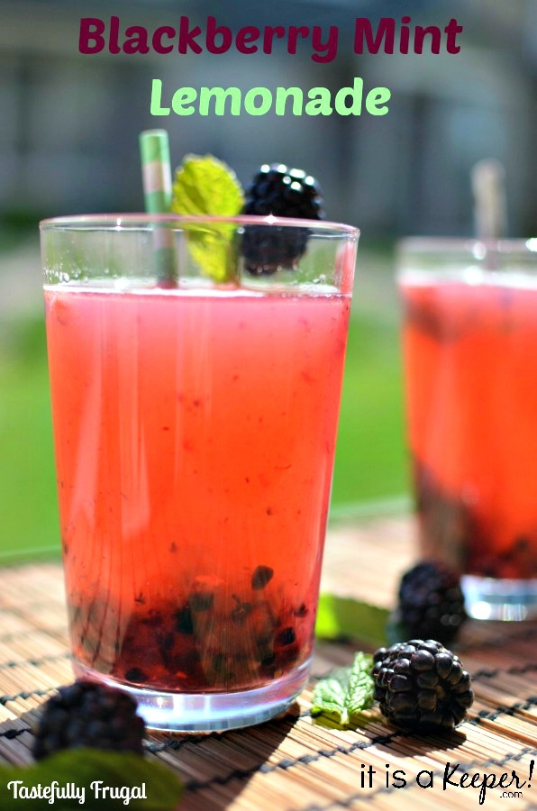 Blackberry Mint Lemonade: A refreshingly sweet summer time drink!