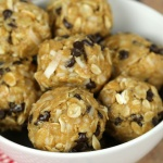The no bake energy bites are an easy and healthy snack that kids love.