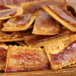 Easy Glazed Bacon Crackers