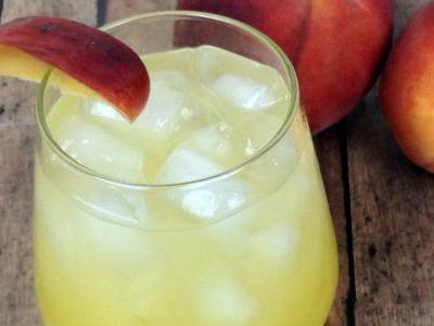 Summer Peach Spritzer