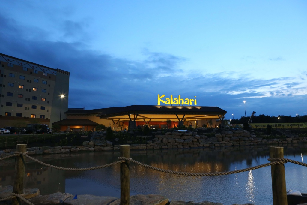 Indoor waterpark Kalahari Poconos