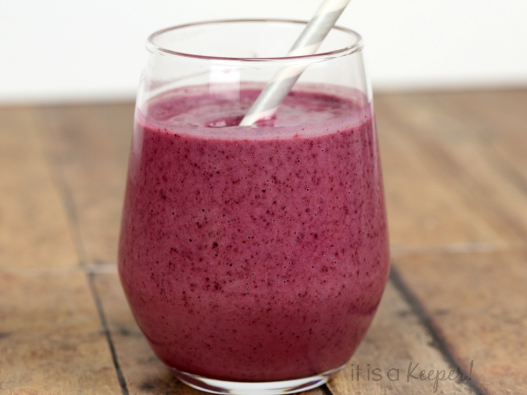 Blueberry Pomegranate Smoothie – a healthy and delicious smoothie recipe