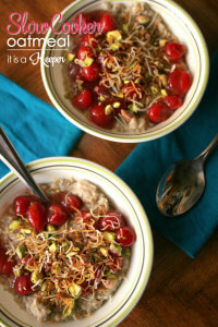 Slow Cooker Oatmeal - This overnight Slow Cooker Oatmeal will quickly become one of your favorite easy crock pot recipes