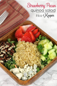 Strawberry Pecan Quinoa Salad - I'm addicted to this scrumptious and health salad