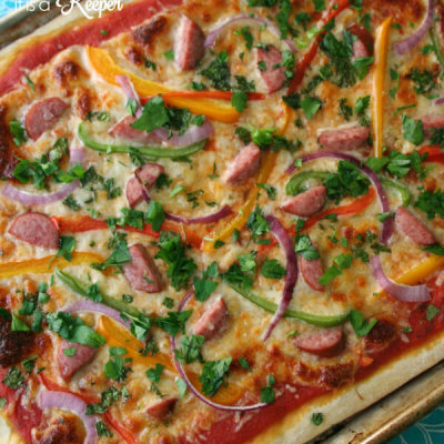 This Kielbasa and Pepper Pizza is a quick and easy recipe that is ready in under 30 minutes