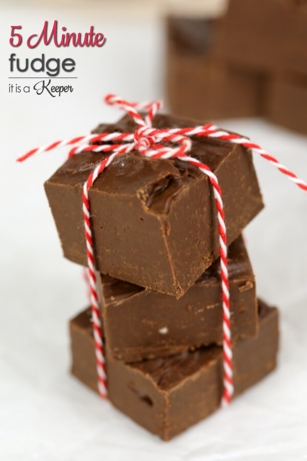 5 Minute Fudge - this easy chocolate candy recipe is perfect for gift giving or a holiday treat
