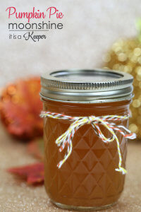 Pumpkin Pie Moonshine - this homemade moonshine recipe has all of flavors of pumpkin pie