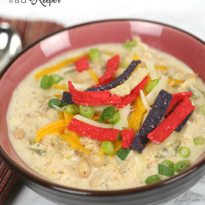 Slow Cooker White Chicken Chili - This is one of my favorite easy crock pot recipes