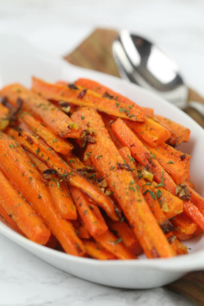 Garlic Roasted Carrots - this easy side dish recipe is ready in under 30 minutes
