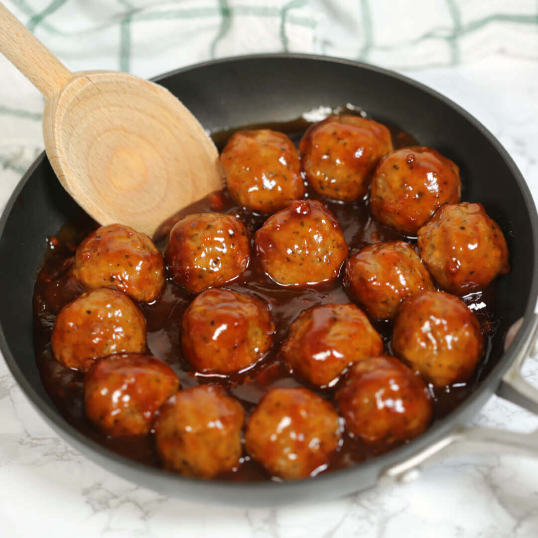 Barbecue Bacon Meatballs - this easy meatball recipe is great as a meal or an easy appetizer