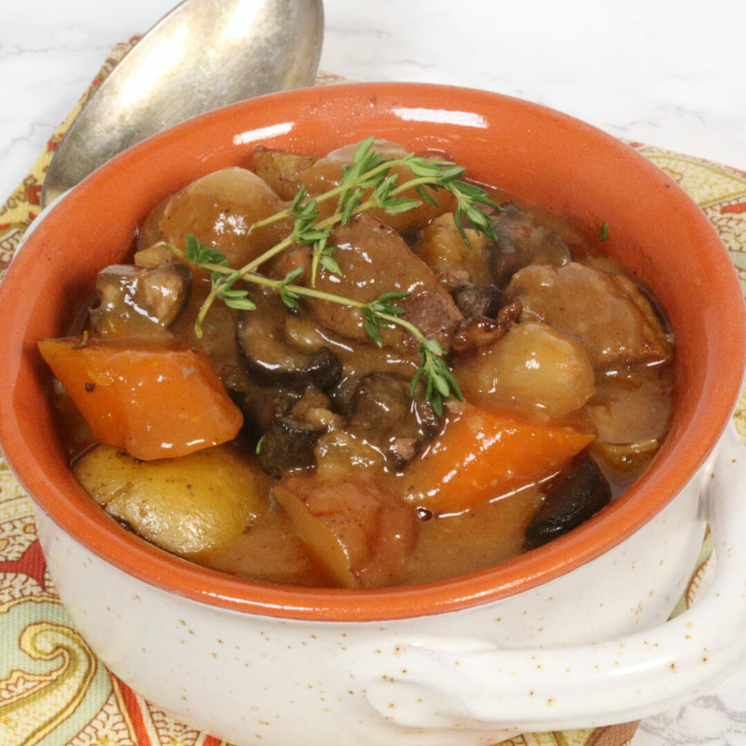 Slow Cooker Beef Bourguignon Recipe - this is one of the best slow cooker recipes of all time