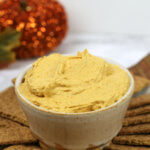 Easy Pumpkin Pie Dip - this simple recipe takes 5 minutes to make and is always a crowd pleaser