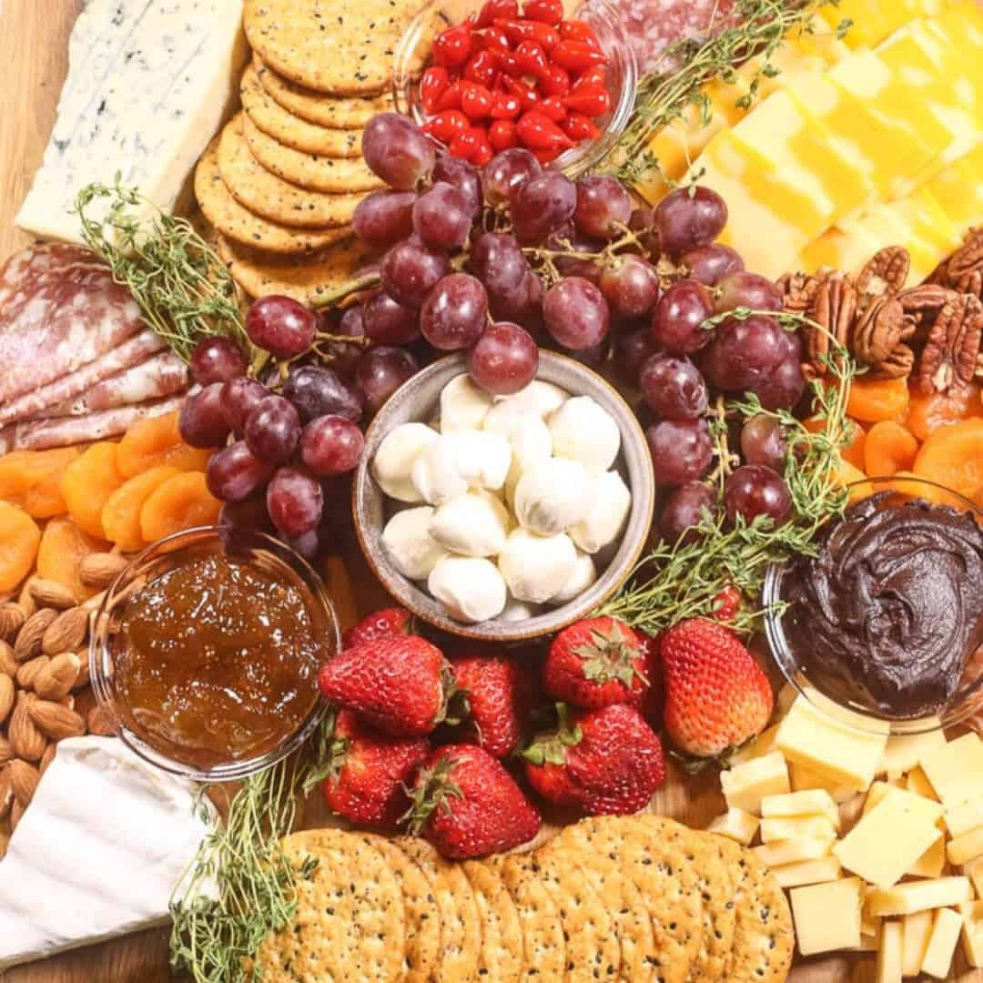 How To Make The Perfect Cheese Board It Is A Keeper