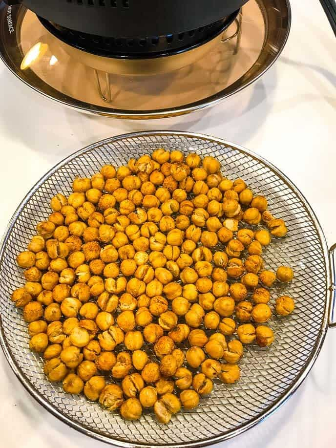 roasted chickpeas with mealthy air fryer lid