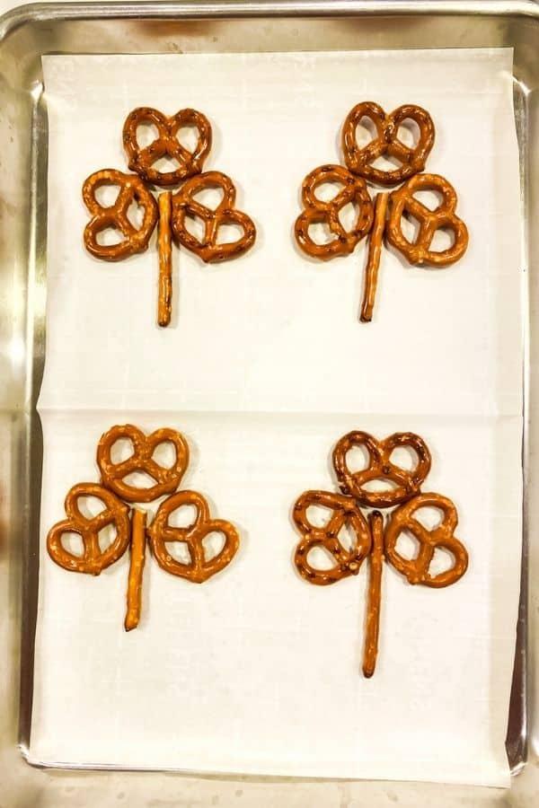 Shamrock pretzel layout for pretzels