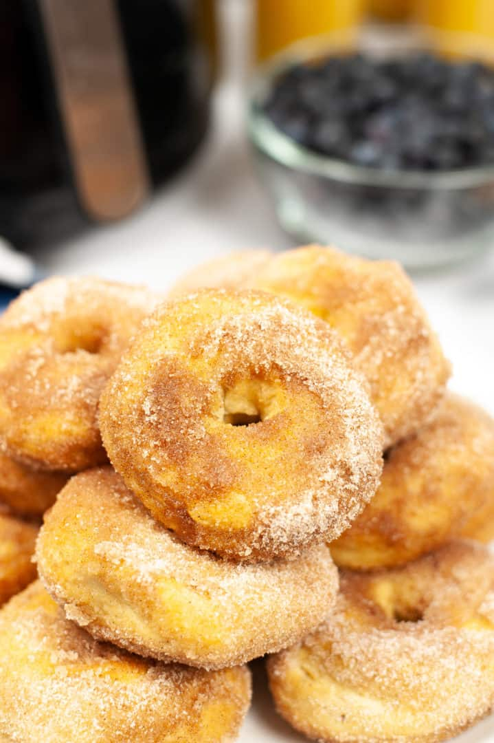 A plate full of air fryer donuts