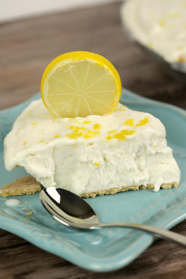 No Bake Lemon Ice Box Pie closeup