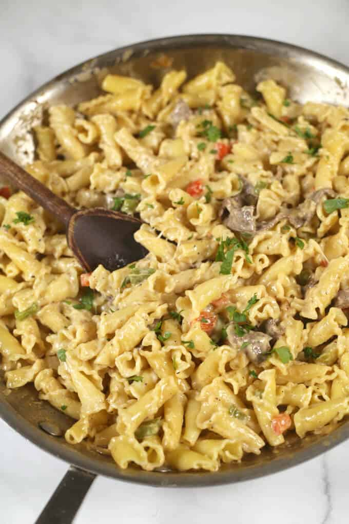 Philly-Cheesesteak-Pasta overview in pan