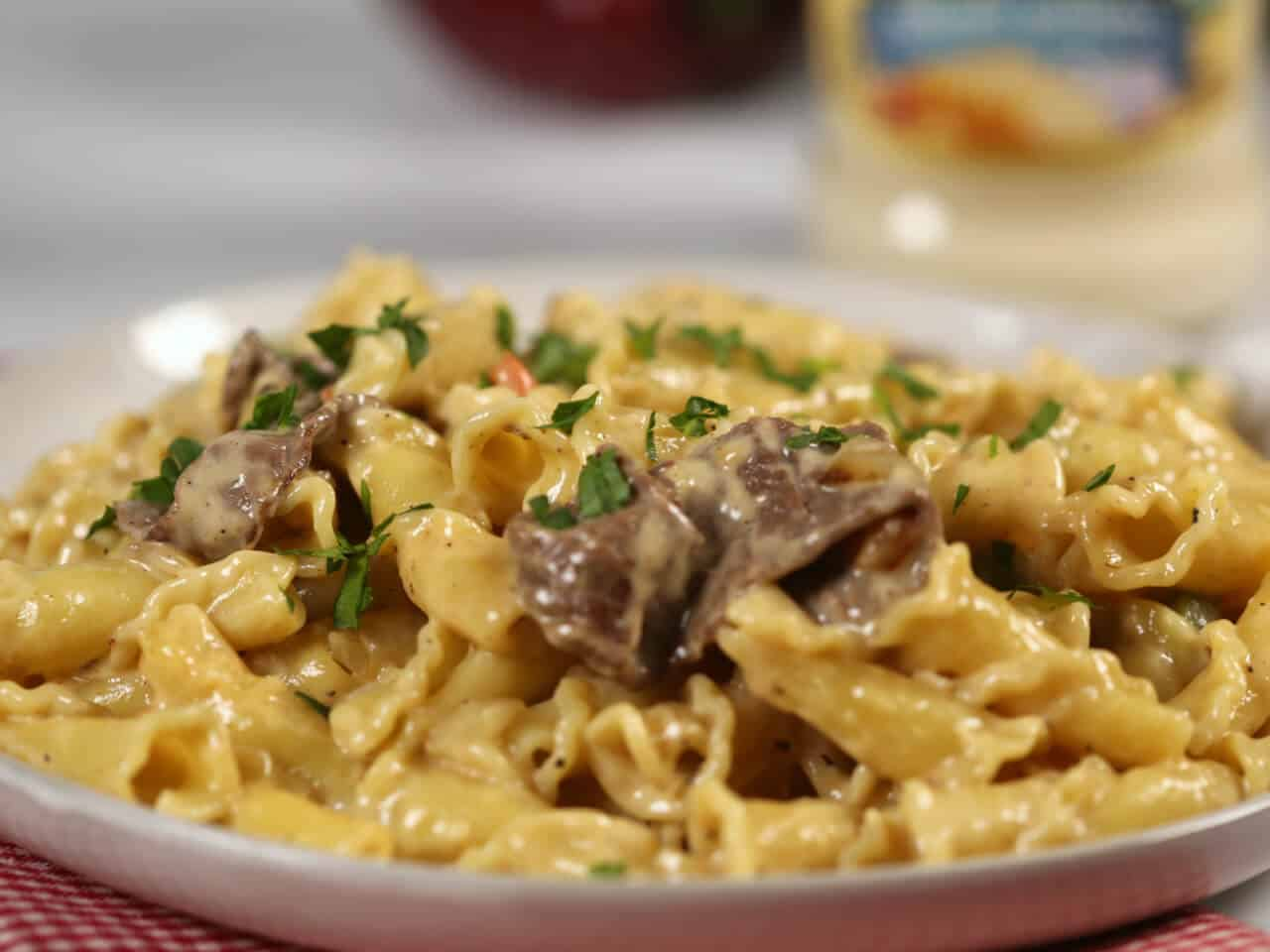 Philly-Cheesesteak-Pasta sideview